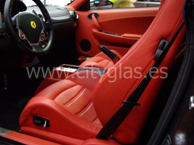 Tapizar butacas Ferrari cuero